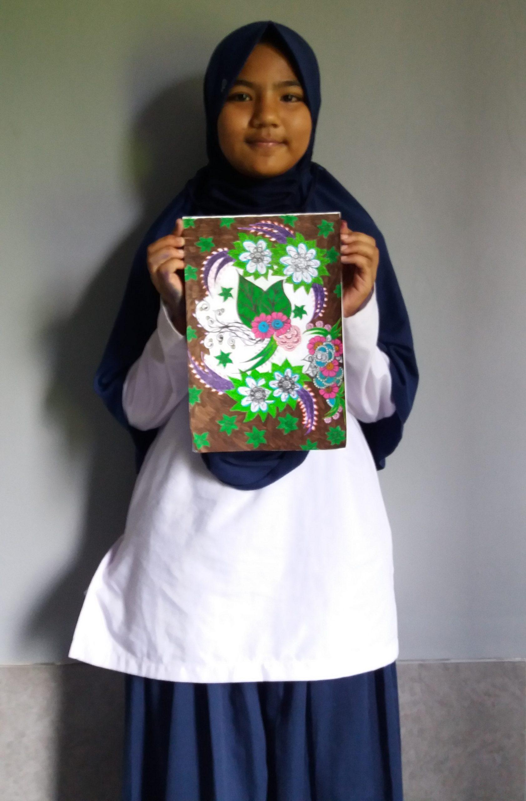 Batik Flora Karya Siswi SMP QSBS 561